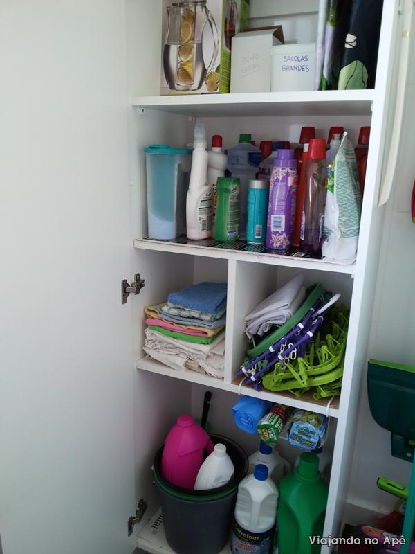 Armario planejado lavanderia area de servi o viajando no - Como decorar un armario ...